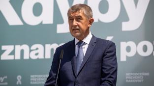 Holding Hartenberg spadá pod firmu SynBiol. Její akcie a akcie společnosti Agrofert vložil premiér Babiš v únoru 2017 kvůli zákonu o střetu zájmů do svěřenských fondů
