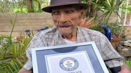 Nejstarším mužem planety je 112letý Portoričan