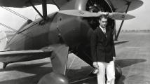 Superletoun zničil kariéru výstředního miliardáře, playboye a blázna do letadel