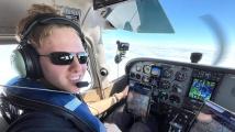 Nejmladší pilot, který obletěl svět