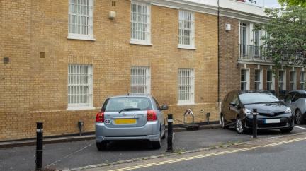 Parkovací místo v centru Londýna stojí víc než nové ferrari