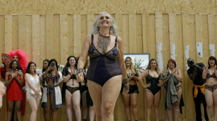 """""""Sexdesátnice"""" - modelka, která se nebojí ukázat vrásky ani celulitidu"""