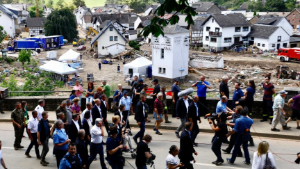 Merkelová: Němčina skoro nezná slova pro zkázu způsobenou záplavami