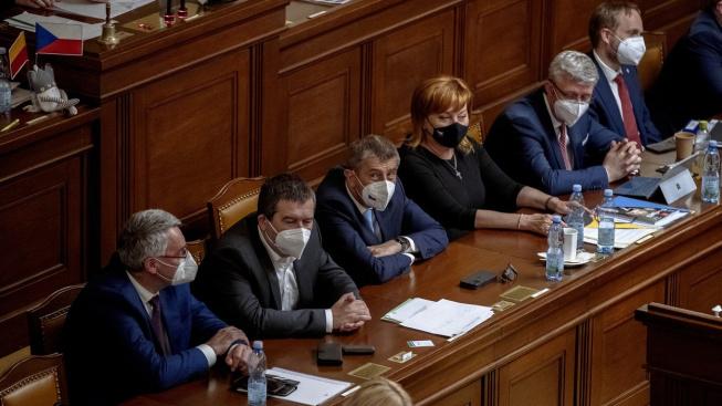 Vláda promeškala období růstu ekonomiky a cíleně se nesnažila o snížení absolutní výše dluhu, myslí si hlavní analytička Hospodářské komory Karina Kubelková