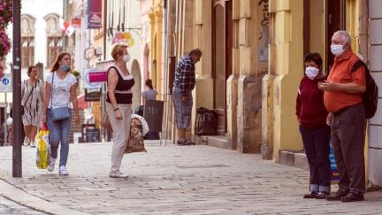 Češi jsou kvůli covidu opatrnější než loni v létě, ukázal průzkum