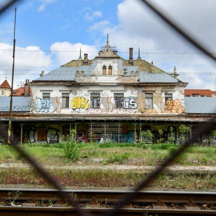 Zchátralé pražské nádraží Vyšehrad je v exekuci a nejspíš půjde do dražby