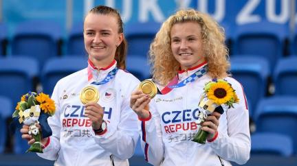 Krejčíková se Siniakovou vybojovaly první české tenisové zlato