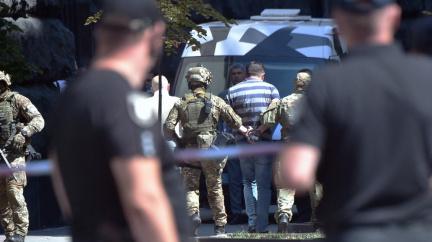 """""""Živý neodejdu!"""" V sídle ukrajinské vlády vyhrožoval muž s ručním granátem"""