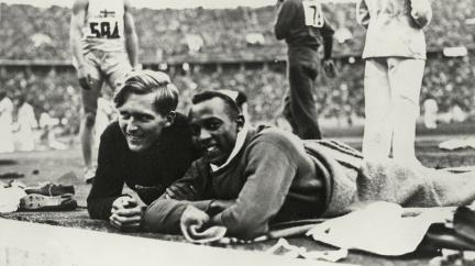 Před 85 lety triumfoval černošský šampion nad nacistickou propagandou