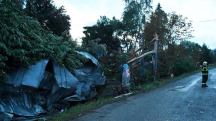 Obec na východě Slovenska zasáhlo tornádo. Je tady spoušť, popisuje starosta