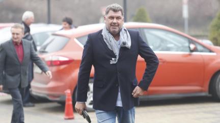 BIS sledovala Zemanova poradce Nejedlého, získávala informace k jeho ruským kontaktům