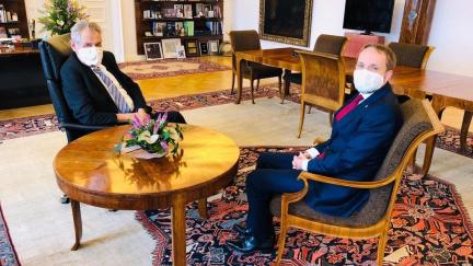 """""""Český agent"""" Zeman chce ekonomickou diplomacii bez ideologií a studenoválečnictví"""