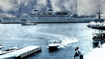 Loď Admirál Nachimov se potopila během minut, nepřežily stovky lidí