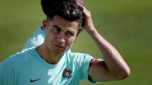 Ronaldo podepsal s Manchesterem United dvouletou smlouvu, klub za něj zaplatil 383 milionů