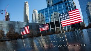 Svět si připomněl 11. září, Biden vyzval Američany k jednotě