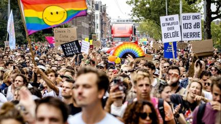 Proti covidovým omezením protestovali Nizozemci, Rakušané i Řekové