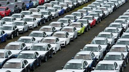 Škodovka letos vyrobí o sto tisíc aut méně, protože nejsou čipy