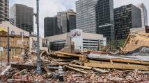 Biden: Extrémní počasí letos v USA způsobilo škody za víc než 100 miliard dolarů