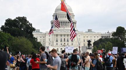 Ve Washingtonu protestují na podporu obviněných z vniknutí do Kapitolu
