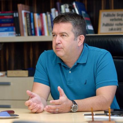 Ministerstvo vnitra musí zaplatit pokutu 800 tisíc za nákup zbraní bez tendru