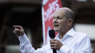 Kancléřský kandidát sociální demokracie Olaf Scholz během předvolební kampaně