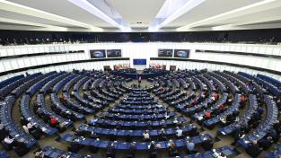 Podle Evropské komise Česko musí uspokojivě vyřešit nedostatky v odhalování a potírání konfliktu zájmů, jinak nedostane peníze z mimořádného fondu obnovy (Ilustrační foto)