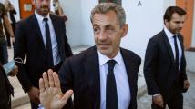 Exprezident Sarkozy je podle soudu vinen z nezákonného financování kampaně