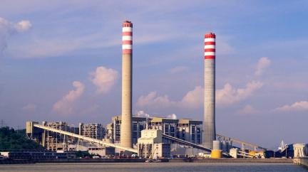 Čína řeší nedostatek elektřiny, proto nařídila uhelným dolům zvýšit těžbu