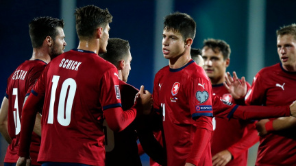 Čeští fotbalisté stále nemají jisté play off, Ronaldo si připsal další rekord