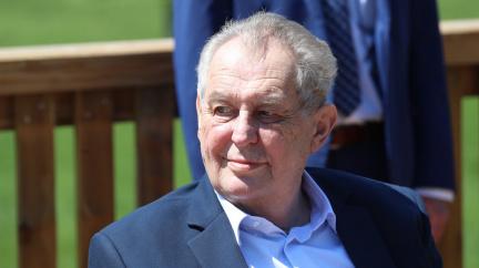 Aktualizováno: Prezident Zeman podle ÚVN není schopen vykonávat pracovní povinnosti