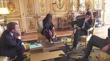 Macronův pes si ulevil přímo v Elysejském paláci