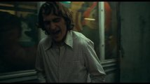 Joker (2019): oficiální hlavní trailer (české titulky)