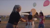 Země nomádů - oficiální trailer